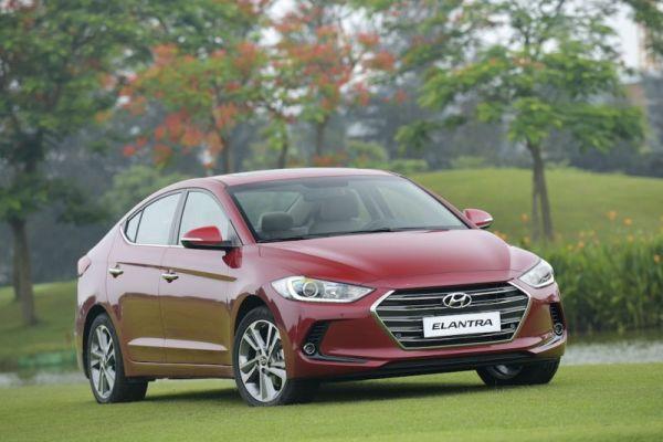 Hyundai Elantra 2016 - 7.JPG