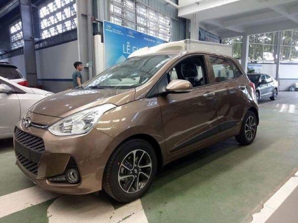 20727103337-20711225744-Hyundai-grand-i10-2017-ban-5-cua-mau-vang-cat-2.jpg